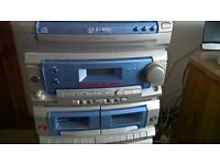 Goodmans Karaoke System..3 disc cd..twin cassettes..microphones missing hence the price is low..