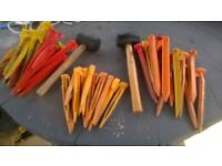 JOBLOT OF PLASTIC TENT , AWNING PEGS WITH MALLET