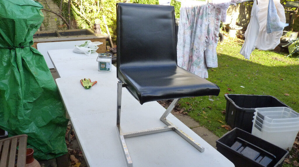 leather and crome chair