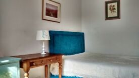 2 Large rooms(separate)with en-suite.
