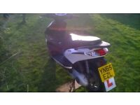Piaggio Fly 125 cc 2015 learner legal scooter , only 3500 miles MOT due 5 November, great bike