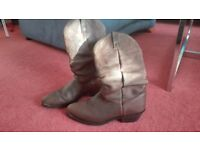 Ariat Cowboy boots as new size 9UK