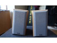2 Stereo Wooden Hitachi Speakers 50W