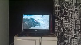 "22"" led hd t.v with built in dvd player"