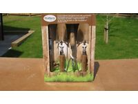 Brand New Item - Box set of 4 Garden Hand tools