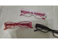 Reading glasses (17 pairs as job lot)