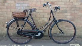 LADIES VINTAGE 1931 RALEIGH BICYCLE WITH CARBIDE GAS LIGHTS