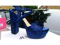 Velvet navy shoes