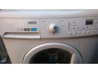 ZANUSSI WASHING MACHINE 7 KG WHITE COLOR...FREE DELIVERY