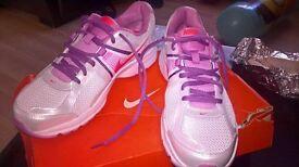 nike running trainers brand new