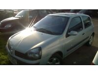 renault clio dymanique 12 months mot spoiler , sunroof , excellent runner test drive welcome £ 650