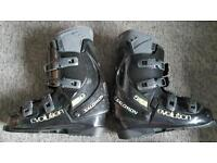 For sale is a pair of Salomon Evolution 5.0 skis boots.