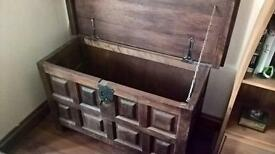 Trunk/blanket box