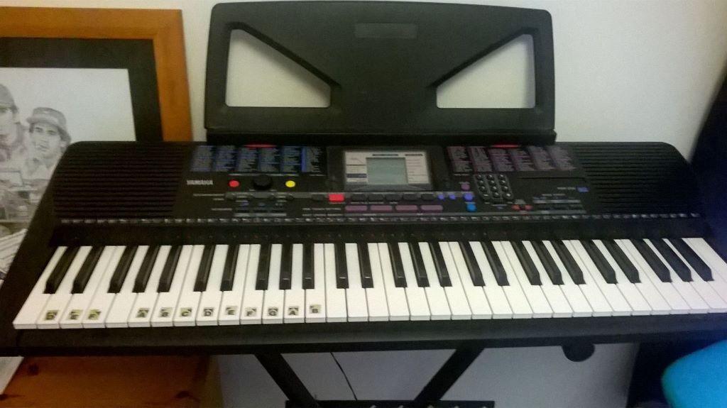 Yamaha psr 230 portatone keyboard 230 vgc with cover for Yamaha portatone keyboard