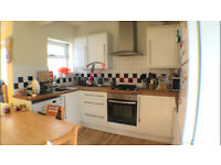 ** Three bed, 2 bath apartment with small garden for only £1900 pcm **