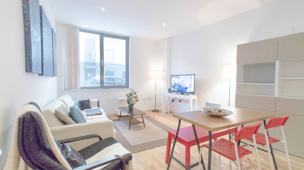 ** SHORT LETS ** 3 Bed Apartment In Kings Cross