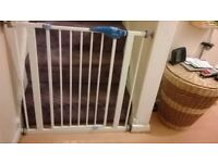 2 x Lindam child safety gates. As new, fully adjustable, fits all openings. £10 each