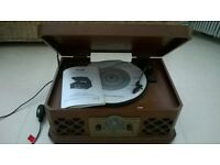 RETRO RECORD PLAYER/CD/PLAYER/CASSETTE PLAYER/RADIO