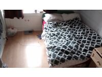 one week double room for rent Central