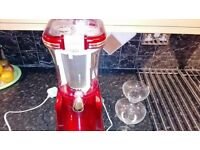 **Retro** Ice drinks maker! With 2 margarita glasses.