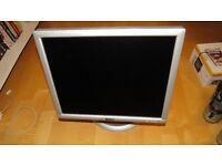 "Dell Flat Panel 17"" LCD Monitor (1704FPVt)"