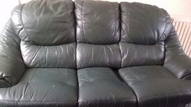 3piece suite green in colour soft leather
