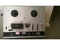 Vintage Akai 4000D reel to reel tape recorder in near perfect condition