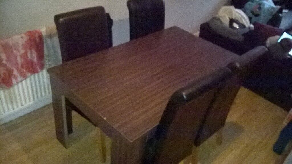 Dining table with 4 leather chairs !!! £10 QUICK SALE !!!