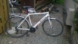 Lightweight hybrid commuter bike - hardly used.