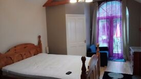 superior LARGE DOUBLE ROOM WITH ENSUITE WC FACILITY ON WESTLEIGH ROAD, NARBOROUGH RD ALL BILLS INC