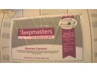 Sleepmasters Pocket Sprung 4 Foot Divan Bed with 2 drawers, in excellent condition. One owner.
