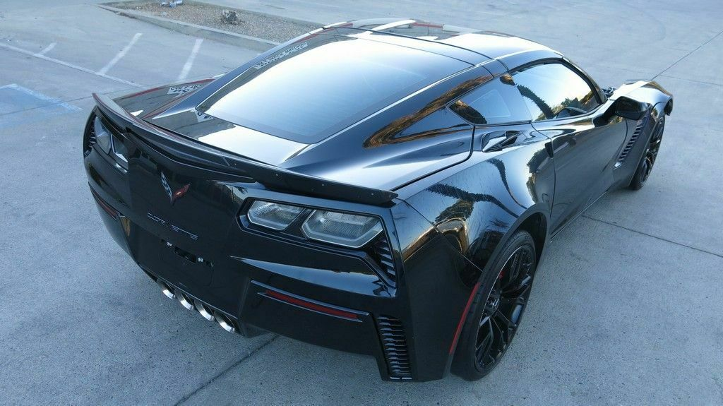 2015 Black Chevrolet Corvette Z06 4LT | C7 Corvette Photo 1