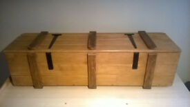 Hand crafted solid timber waxed wooden blanket box/ottoman/storage trunk/chest/kist-Black hardware