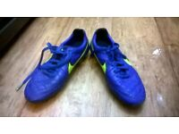 nike tempo blue.size 6.