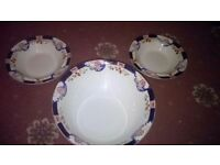 2 Alfred Meakin dessert bowls and 1 serving bowl