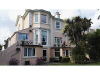 1 Bed Sunny Bright Spacious Garden Flat Quiet Location Close walk to Sea Front, Shops, Trains, Buses