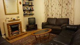 Lewisham SE13. Light, Modern & Spacious 5 Bed Fully Furnished House with Garden near Station