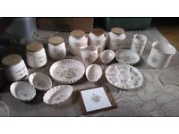 daisy pottery colection