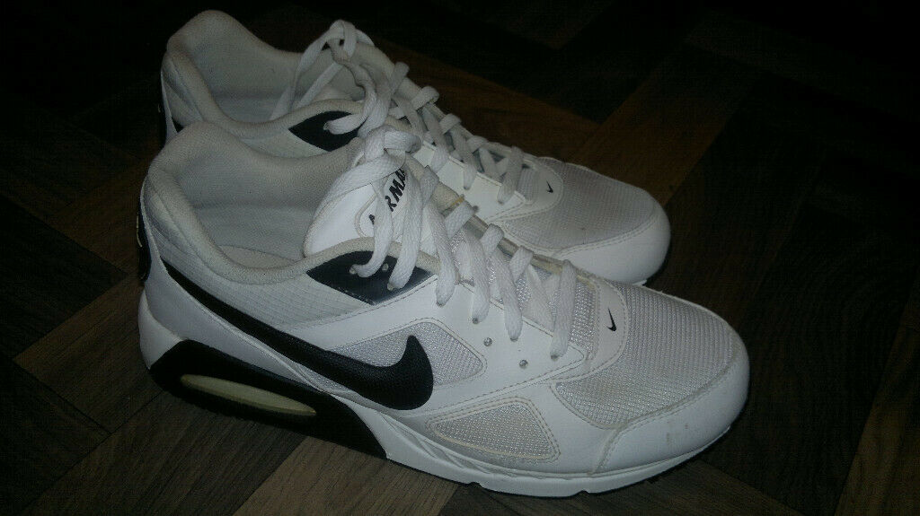 competitive price 5064e c1958 Nike Air Max trainers Size 10