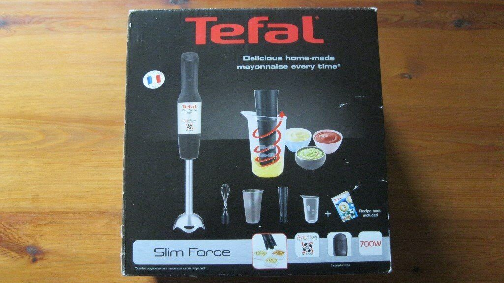 Hand Blender with whisk and mini chopper attachements