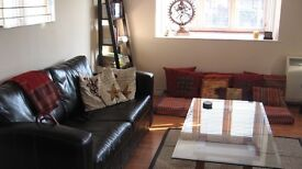 Bright 2 Bed Flat Available in Zone 2 New Cross Gate