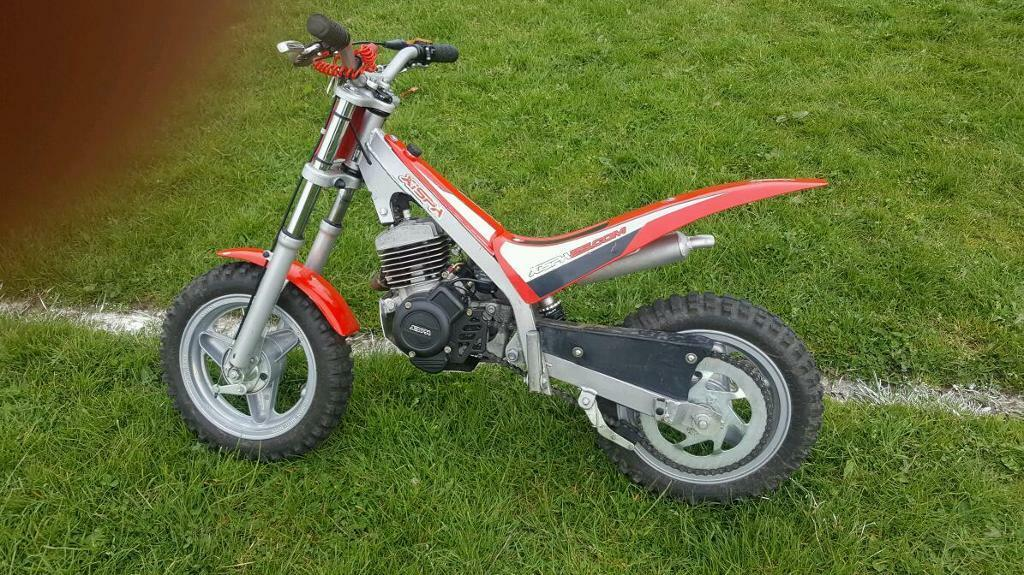 xispa kids 50cc trials bike rev and go in radcliffe. Black Bedroom Furniture Sets. Home Design Ideas