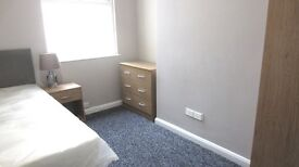Room to Rent In Clean House 1st Month Half Price Rent !!!
