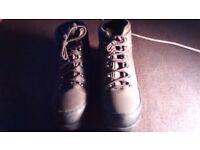 New Mens warm heavy duty Steel toe cap boots. Hiker style.