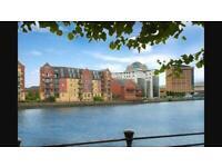 En-suite double room in riverside apartment in Belfast City Centre - Fantastic location!!!