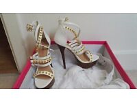 Brand New Just Fab Size 5