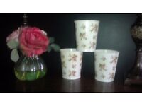 'NEW' SET OF 3 PRETTY SHABBY CHIC, FLOWER PLANT POTS..INDOOR/OUTDOORS