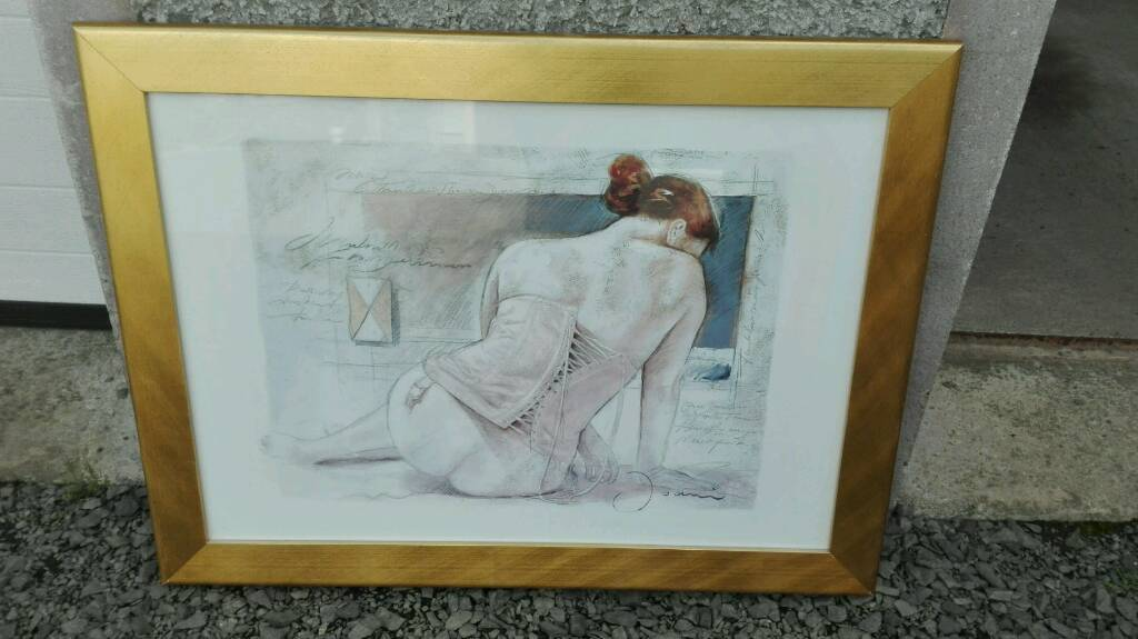 LARGE PICTURE IN GOLD FRAME