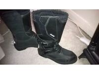 Lovely leather size 5 oxtar motorcross boots , barely worn , very good condition