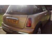 MINI COOPER, IMMACULATE CONDITION WITH FULL SERVICE HISTORY,MOT UNTIL NOV. 17 AND 2 KEYS AVAILABLE